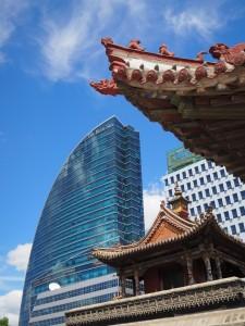 Les contrastes d'architectures omniprésents dans la ville