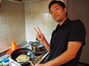 Préparation de l'okonomiyaki par Shomon.